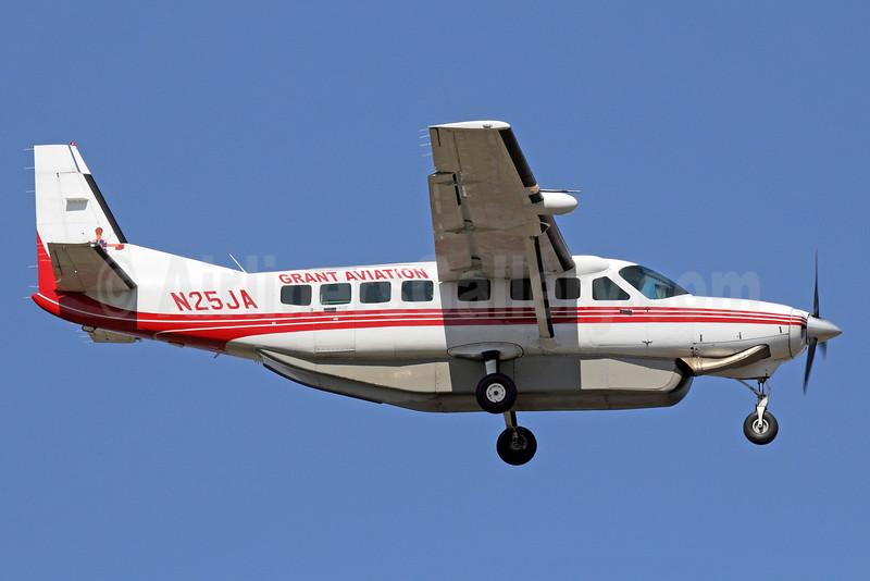 Grant Aviation Cessna 208B Grand Caravan N25JA (msn 1212) ANC (Michael B. Ing). Image: 934034.
