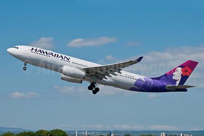 Hawaiian Airlines Airbus A330-243 N382HA (msn 1171) HNL (Ivan K. Nishimura). Image: 913516.