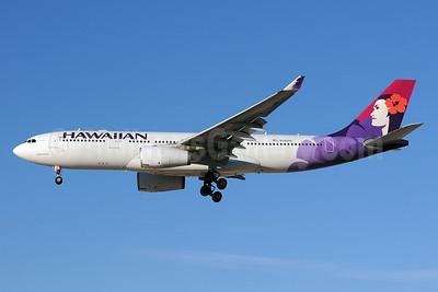 Hawaiian Airlines Airbus A330-243 N381HA (msn 1114) LAS (Bruce Drum). Image: 103834.