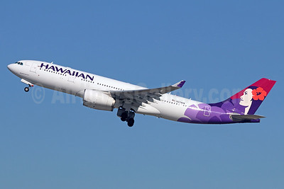 Hawaiian Airlines Airbus A330-243 N374HA (msn 1565) LAX (Michael B. Ing). Image: 936636.
