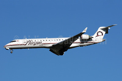 Horizon Air Bombardier CRJ700 (CL-600-2C10) N607QX (msn 10024) SEA (Bruce Drum). Image: 101016.