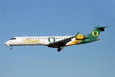 Horizon Air Bombardier CRJ700 (CL-600-2C10) N611QX (msn 10041) SEA (Oregon Ducks) SEA (Nick Dean). Image: 906941.