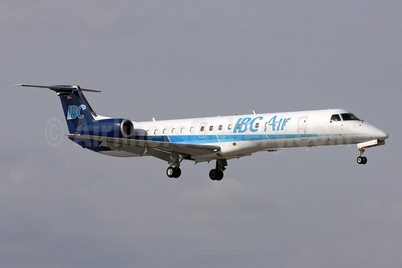 IBC Air Embraer 145EP N261BC (msn 145082) FLL (Brian McDonough). Image: 925986.