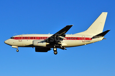 Janet Airlines (URS - EG & G) (U.S. Air Force) Boeing 737-66N N288DP (msn 29892) LAS (Ken Petersen). Image: 930548.