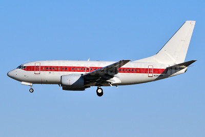 Janet Airlines (URS - EG & G) (U.S. Air Force) Boeing 737-66N N365SR (msn 29891) LAS (Ken Petersen). Image: 930550.