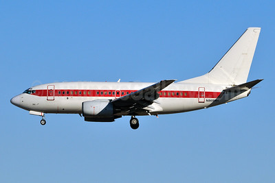 Janet Airlines (URS - EG & G) (U.S. Air Force) Boeing 737-66N N869HH (msn 28650) LAS (Ken Petersen). Image: 930551.