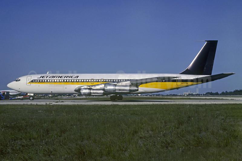 Jet America Airlines Boeing 707-324C N707SH (msn 19353) (Singapore Airlines colors) MIA (Bruce Drum). Image: 103290.