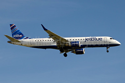 JetBlue Airways Embraer ERJ 190-100 IGW N351JB (msn 19000549) (Barcode) JFK (Jay Selman). Image: 403381.