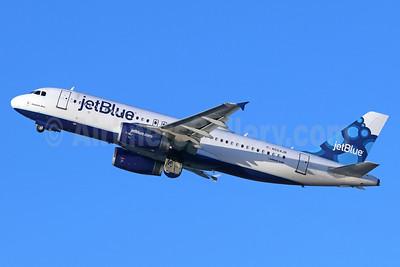 JetBlue Airways Airbus A320-232 N564JB (msn 2020) (Blueberries) LGB (Michael B. Ing). Image: 938853.