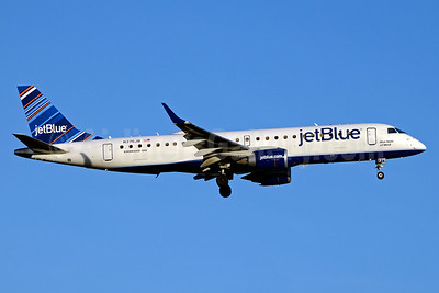 JetBlue Airways Embraer ERJ 190-100 IGW N375JB (msn 19000637) (Barcode) JFK (Jay Selman). Image: 403382.