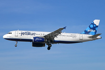 JetBlue Airways Airbus A320-232 N570JB (msn 2099) (Blueberries) LGB (Michael B. Ing). Image: 938782.
