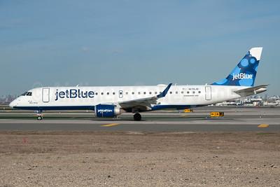 JetBlue Airways Embraer ERJ 190-100 IGW N178JB (msn 19000004) (Blueberries) JFK (Fred Freketic). Image: 935520.