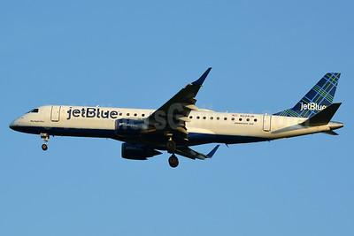 JetBlue Airways Embraer ERJ 190-100 IGW N228JB (msn 19000030) (Tartan) JFK (Jay Selman). Image: 403379.