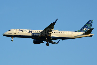JetBlue Airways Embraer ERJ 190-100 IGW N228JB (msn 19000030) (Tartan) JFK (Jay Selman). Image: 403379.