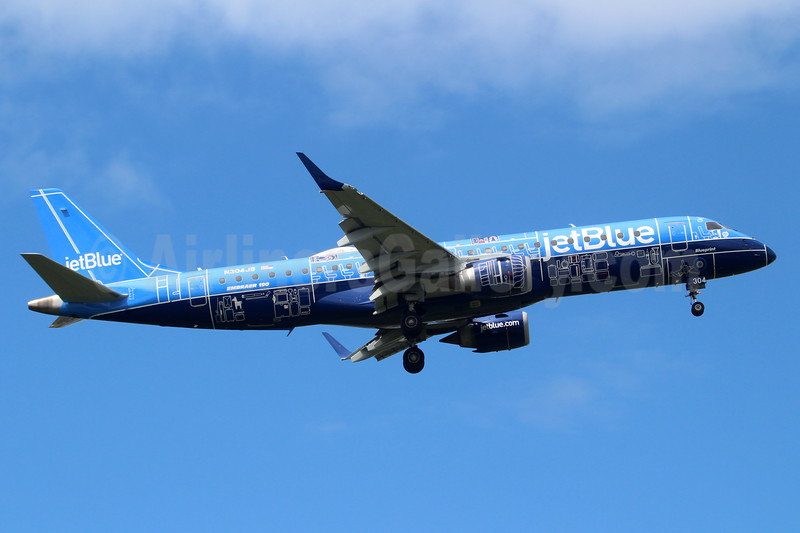 """JetBlue introduces its first Embraer 190 special livery - """"Blueprint"""""""