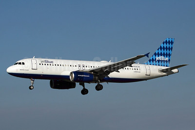 JetBlue Airways Airbus A320-232 N506JB (msn 1235) (Harlequin) LGB (Michael B. Ing). Image: 910026.
