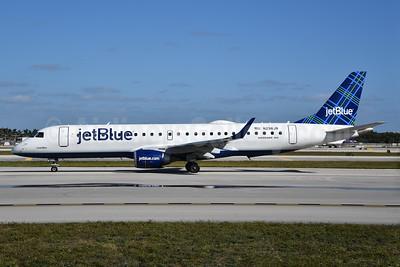 JetBlue Airways Embraer ERJ 190-100 IGW N298JB (msn 19000249) (Tartan) FLL (Bruce Drum). Image: 104533.