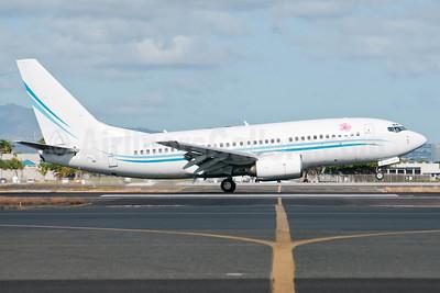 KaiserAir (Kona Shuttle) Boeing 737-7BX N737KA (msn 30740) HNL (Ivan K. Nishimura). Image: 913517.