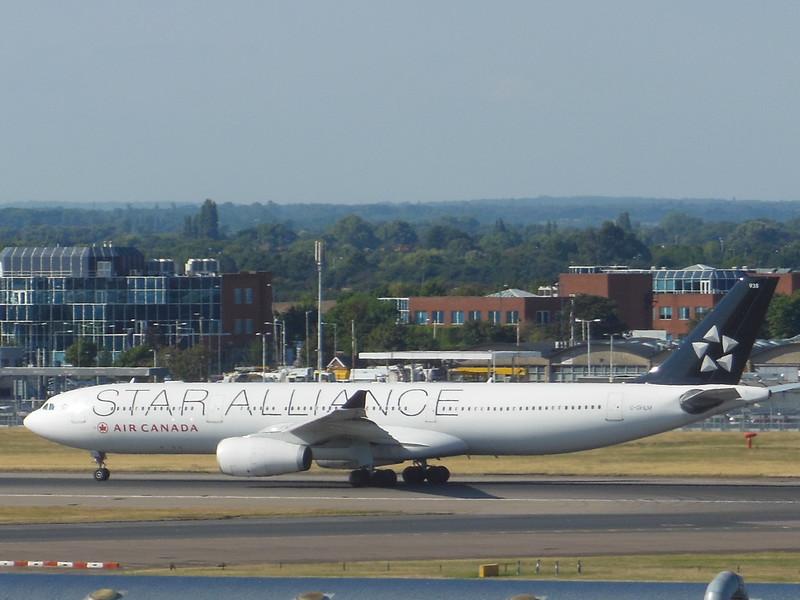 Air Canada (AC) C-GHLM A330-343 X [cn419]