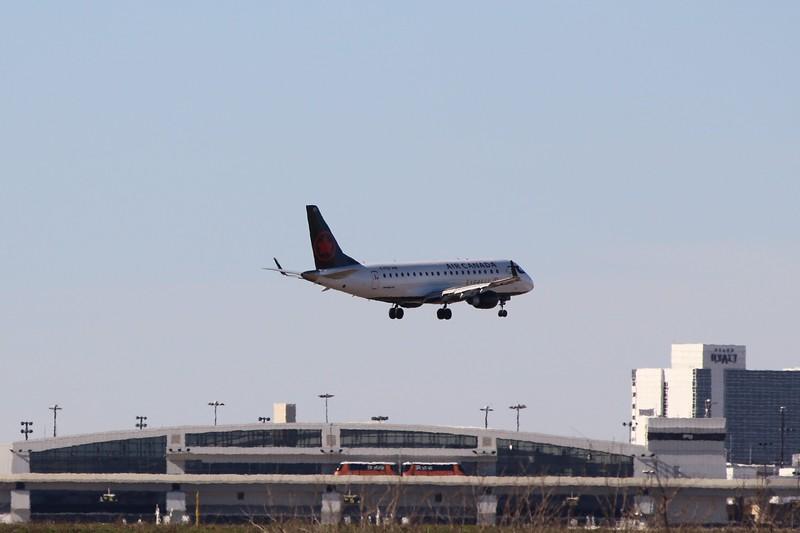 Air Canada Express /Sky Regional Airlines (AC/KV) C-FEIX ERJ-175 SU [cn17000085]