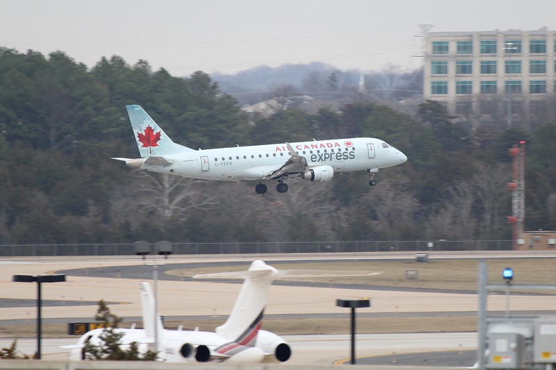 Air Canada Express /Sky Regional Airlines (AC/KV) C-FEKD ERJ-175 SU [cn17000101]