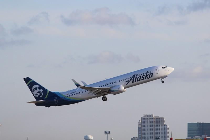 Alaska Airlines (AS) N224AK B737-990 ER [cn62680]