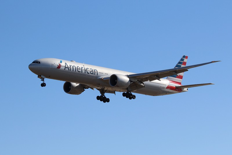 American Airlines (AA) N735AT B777-323 ER [cn32439]