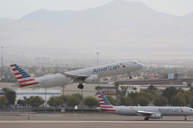 American Airlines (AA) N136AN A321-231 [cn6532]
