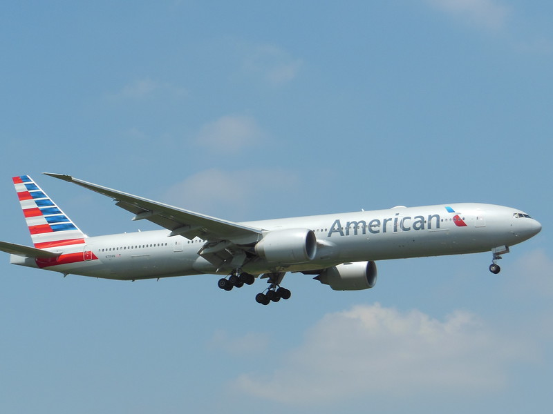 American Airlines (AA) N719AN B777-323 ER [cn41668]