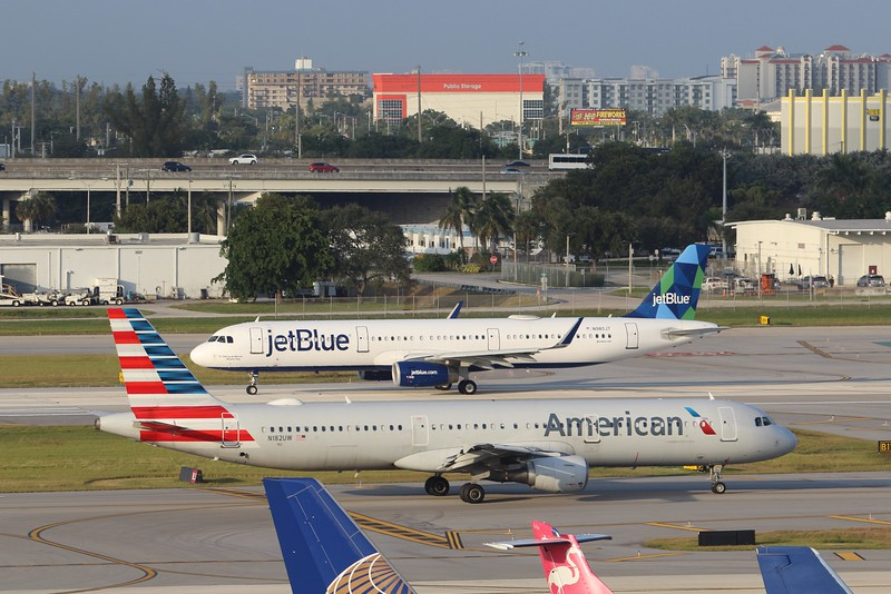 American Airlines (AA) N182UW A321-211 [cn1536]