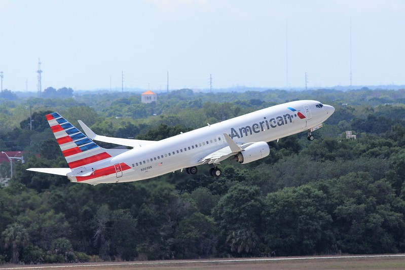 American Airlines (AA) N969NN B737-823 [31215]