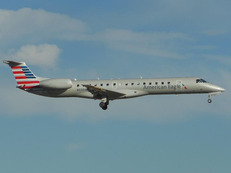 American Eagle/Envoy Air (AA/MQ) N939AE ERJ-145 LR [cn145234]