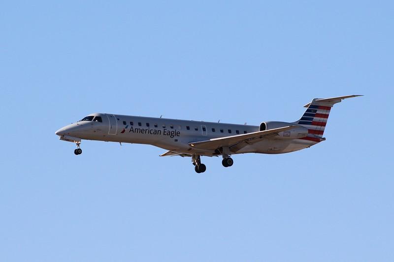 American Eagle/Envoy Air (AA/MQ) N858AE ERJ-145 LR [cn145754]