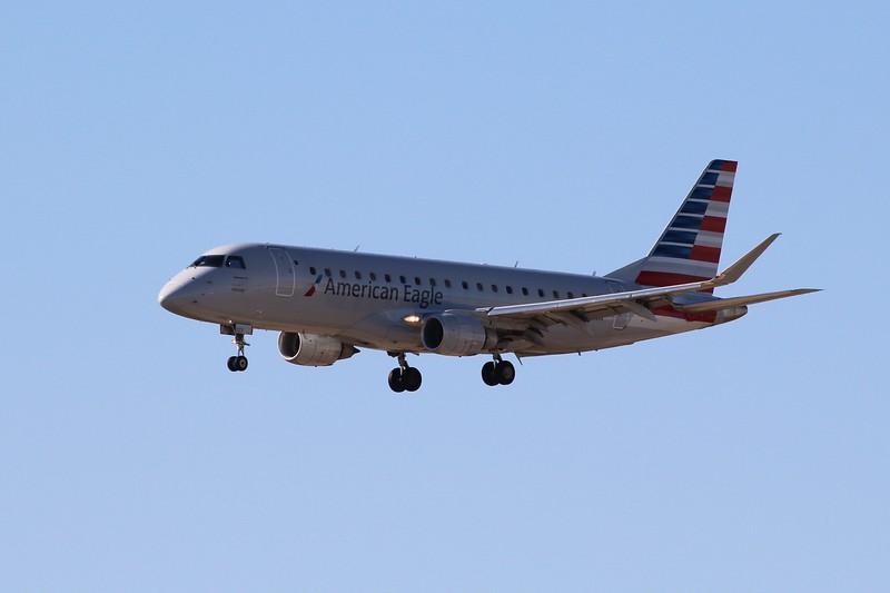 American Eagle/Envoy Air (AA/MQ) N223NN ERJ-175 LR [cn17000529]