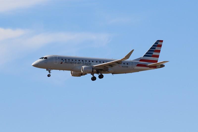 American Eagle/Envoy Air (AA/MQ) N225NN ERJ-175 LR [cn17000537]