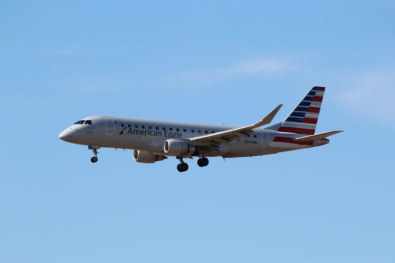 American Eagle/Envoy Air (AA/MQ) N242NN ERJ-175 LR [cn17000601]