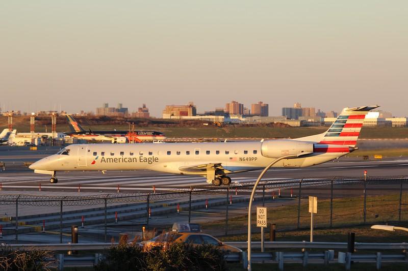 American Eagle/Envoy Air (AA/MQ) N649PP ERJ-145 LR [cn923]