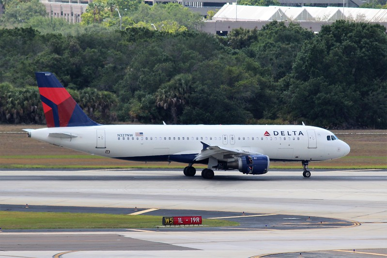 Delta Airlines (DL) N327NW A320-211 [cn297]
