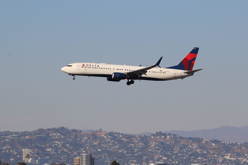 Delta Air Lines (DL) N817DN B737-932 ER [cn31929]