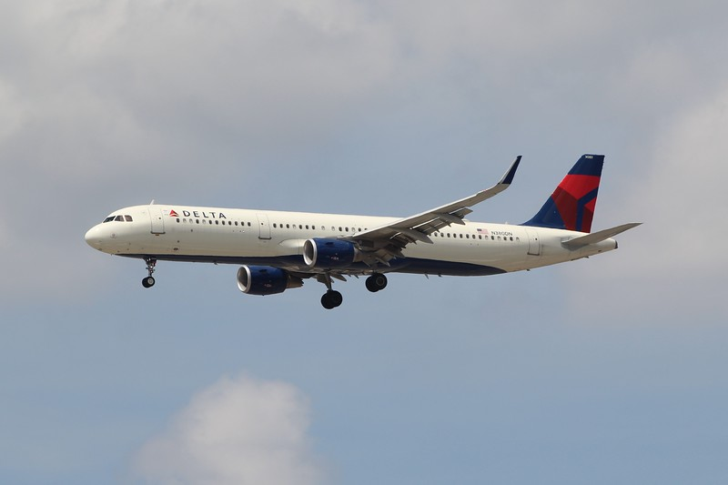 Delta Air Lines (DL) N380DN A321-211 [cn8915]