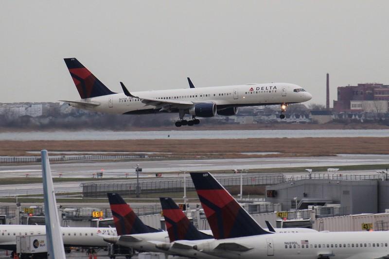 Delta Air Lines (DL) N6712B B757-232 [cn30484]
