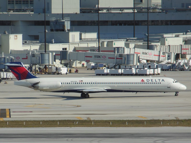 Delta Air Lines (DL) N963DL MD88 [cn49982]