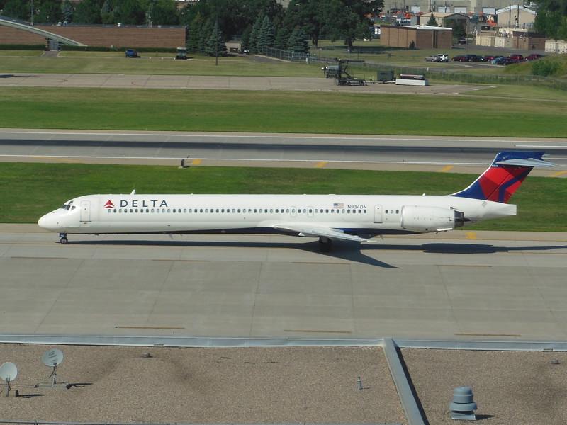Delta Air Lines (DL) N943DN MD90-30 [cn53557]