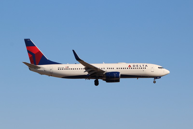 Delta Air Lines (DL) N3773D B737-832 ER [cn30825]