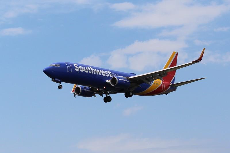 Southwest Airlines (WN) N8329B B737-8H4 [cn37006]