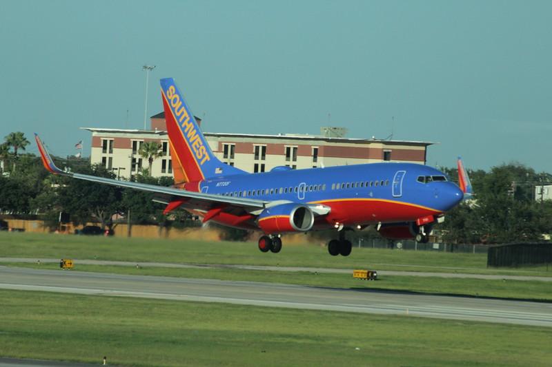 Southwest Airlines (WN) N7720F B737-7BD [cn33922]