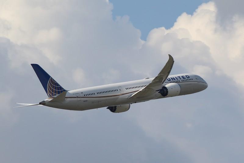 United Airlines (UA) N16009 B787-10 [cn40938]