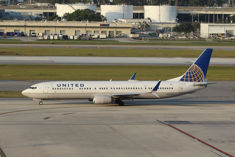United Airlines (UA) N37437 B737-924 ER [cn33532]