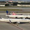 United Airlines (UA) N68452 B737-924 ER [cn40005] & N459UA A320-232 [cn1192]