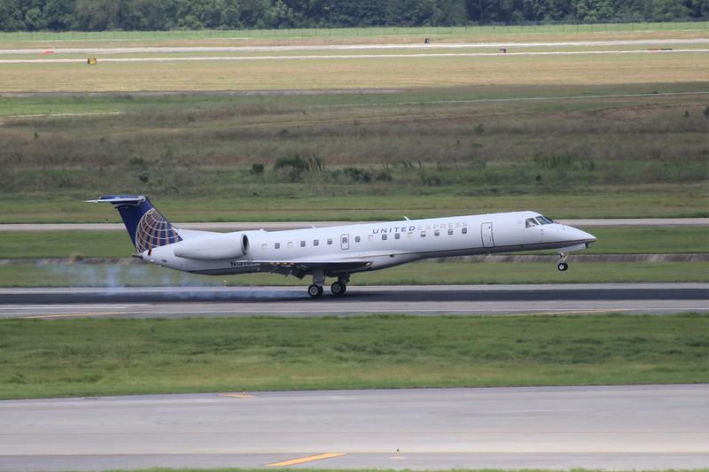 United Express/ ExpressJet (UA/EV) N13988 ERJ-145 LR [cn14500265]
